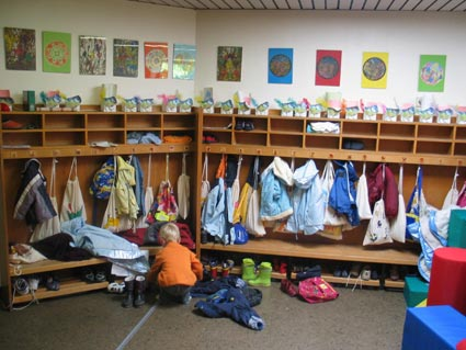 Garderobe der gruenfinken for Garderobe kindergarten
